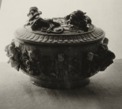 WALTERS: Chinese: Covered Bowl with Dragons and Figures 1588