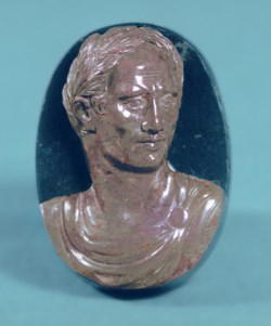 "WALTERS: Venetian: ""Antique"" Cameo with the Bust of Julius Caesar 1525"