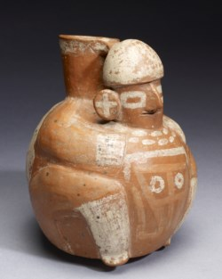 WALTERS: Recuay: Spouted Effigy Vessel 1