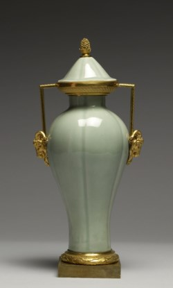 WALTERS: Chinese: Vase 1775