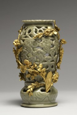 WALTERS: Chinese: Celadon Lamp 1400