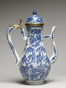 WALTERS: Chinese: Ewer with Foliate Panels 1675