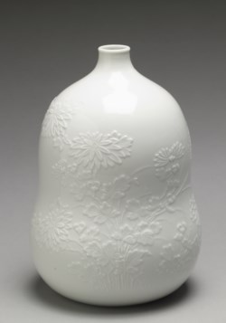 "WALTERS: Japanese: Sake Bottle (""Tokkuri"") with Chrysanthemums 1788"