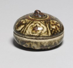 WALTERS: Style of Ogata Kenzan (Japanese, 1663-1743): Incense Box 1801